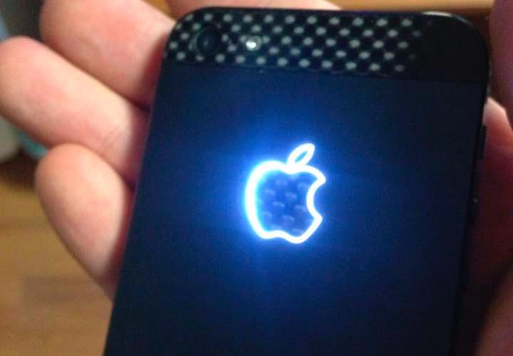 Контурный светящийся логотип Apple