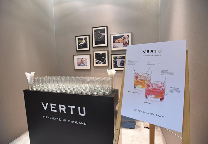 Фотоотчет с превью Vertu Signature Touch 2015 в Сингапуре