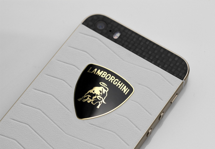 iPhone Lamborghini из сухого карбона