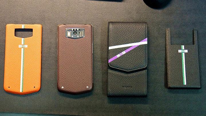 Огромным спросом пользуется услуга персонализации телефонов Vertu, которая делает устройства неповторимыми.