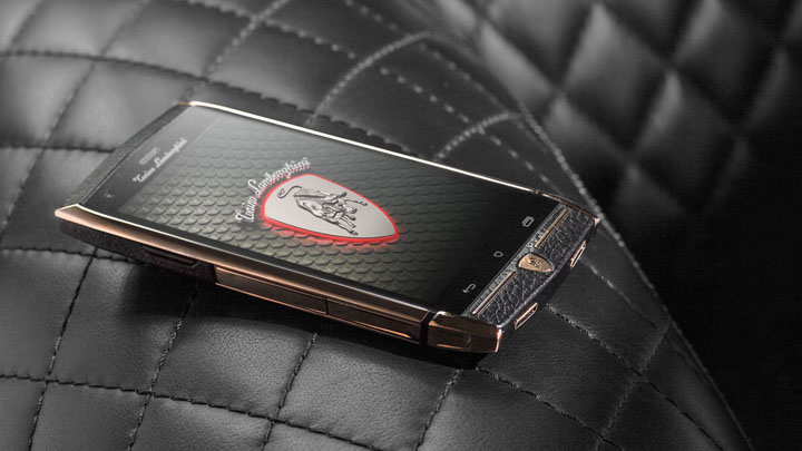 Дисплей современного телефона Tonino Lamborghini 88 Tauri