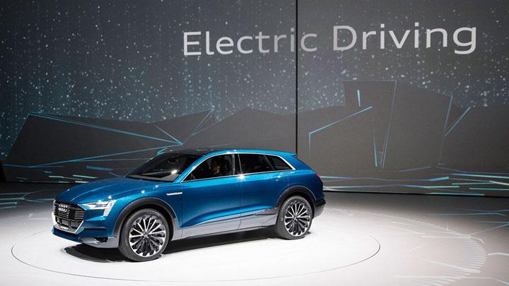 AUDI QE-tron SUV concept — первый достойный соперник Tesla
