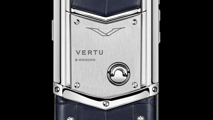 Vertu Signature S Navy Alligator — кожа аллигатора темно-синего цвета