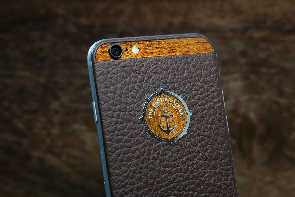 iPhone из коричневой кожи Монтана
