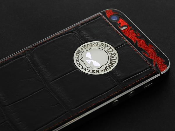 iPhone Harley-Davidson Breakout CVO 2014
