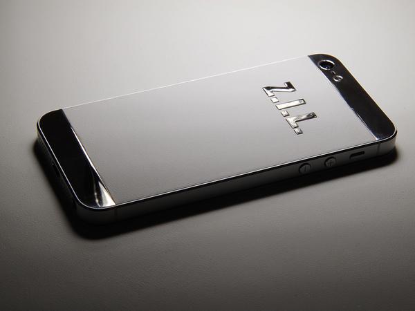 iPhone из белого золота