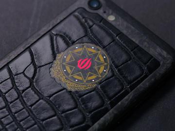iPhone 7 c гербом Азербайджана из карбона