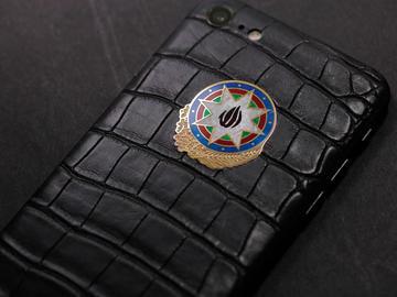 iPhone 7 с гербом Азербайджана из золота