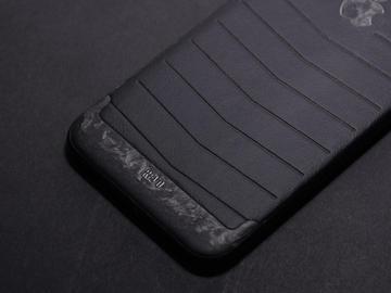 iPhone Revo мраморный карбон