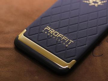 iPhone 7 из золота