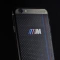 iPhone с корпусом из карбона и светящимся логотипом BMW M