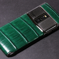 Зеленый крокодил Vertu New Signature Touch
