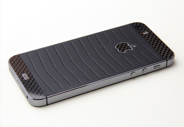 iPhone Revo из карбона и кожи