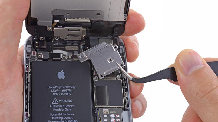Замена рычага выброса лотка SIM-карты на iPhone 6 и iPhone 6 Plus