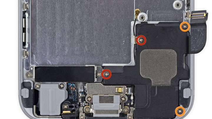 Замена задней панели iPhone