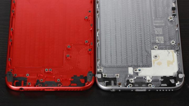 Блестящая каемка — фасет — на отверстиях динамиков и микрофона в оригинальном корпусе для iPhone 6 и неоригинальном
