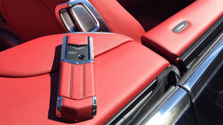 Vertu Signature S for Bentley Hotspur Red