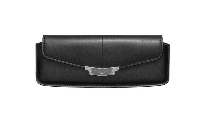 Чехол-сумка из черной кожи с застежкой из нержавеющей стали