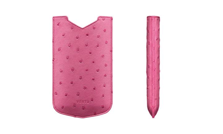 Чехол-футляр из страусовой кожи розового цвета