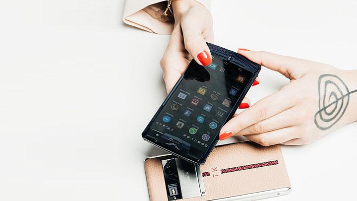 Тина Канделаки — новый взгляд на телефоны Vertu