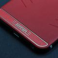 Надпись Ferrari с фоновой окраской в красный цвет
