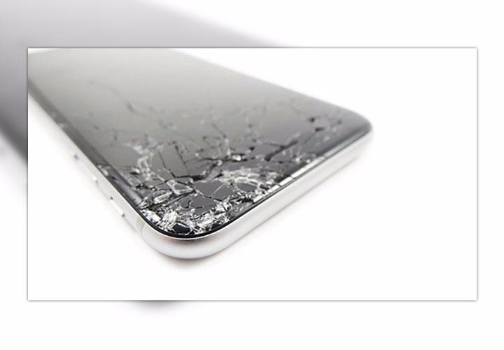 Разбились стекло, экран, передняя панель iPhone