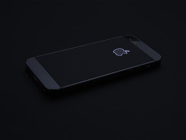 iPhone с контурным логотипом Apple