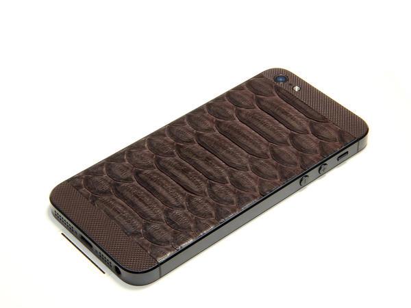 iPhone из кожи змеи
