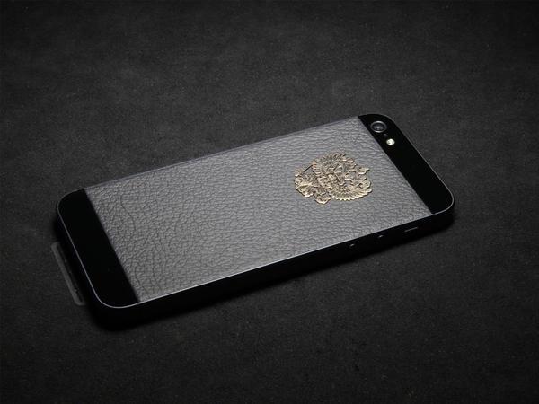 iPhone с гербом России