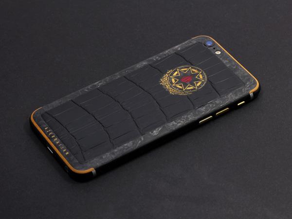 iPhone с гербом Азербайджана