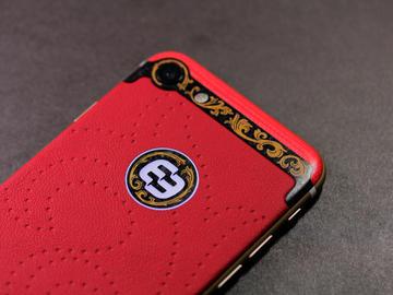 iPhone 7 из красной кожи