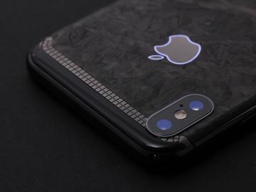 iPhone X из мраморного карбона