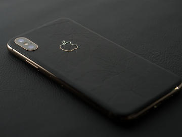 iPhone Xs Leaf Black&Gold