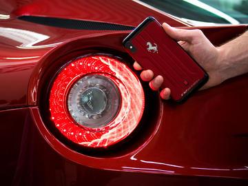 iPhone Xs Max Ferrari F12 Berlinetta